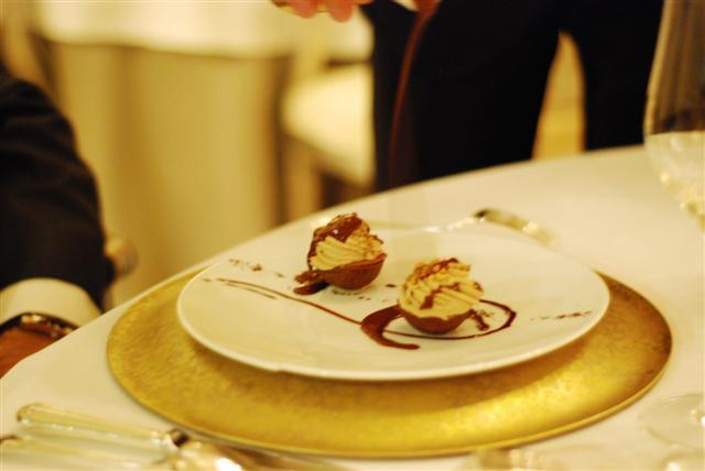 Vanilla, Coffee, Chocolate - In small melting shells