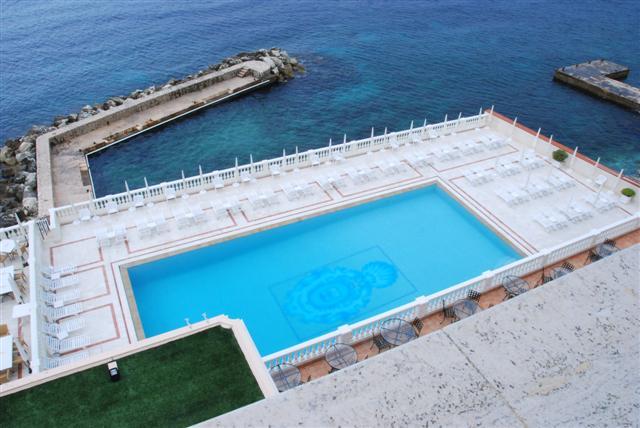 La Reserve Beaulieu - The Pool