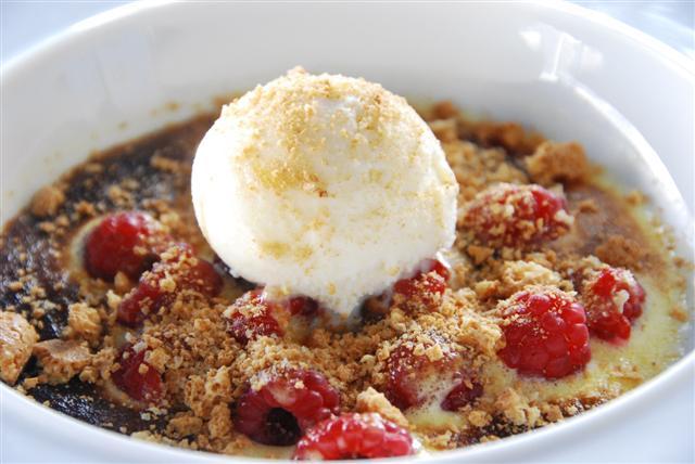 Sweet Raspberry & Vanilla Ice Cream treat