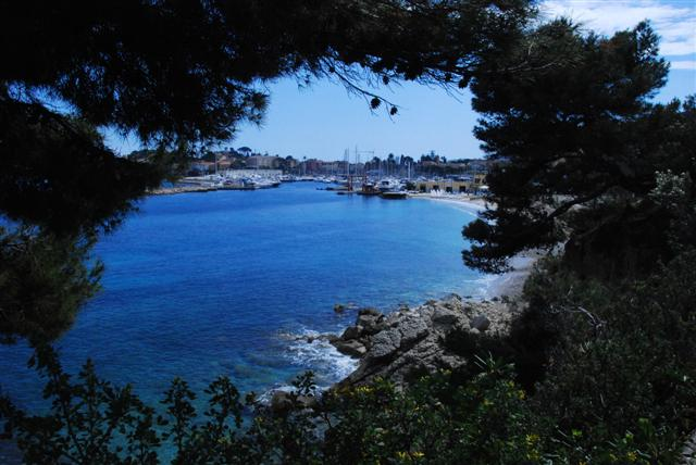 Entering Saint Jean Cap Ferrat