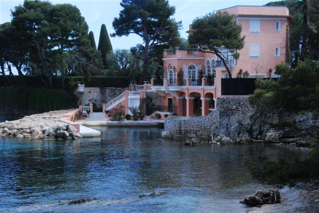 The Dream Home near Saint Jean Cap Ferrat - loved the gates