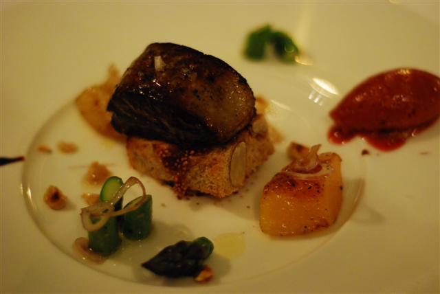 Foie Gras Poêlé, Asperges et sorbet au vin chaud Pan fried Foie Gras with Asparagus and mulled wine sorbet