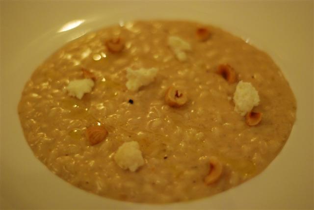 Le Risotto - - Risotto aux noisettes du Piedmont, citrons confits et Bagoss Hazelnut risotto, lemon confit, and Bagoss cheese