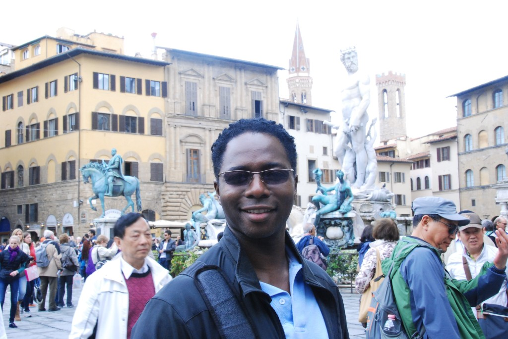 Heading to The Uffizi - Fountain of Neptune in the background
