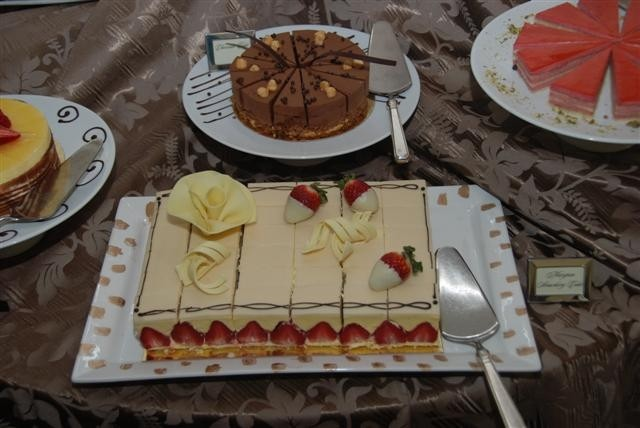 Marzapan Strawberry Cake