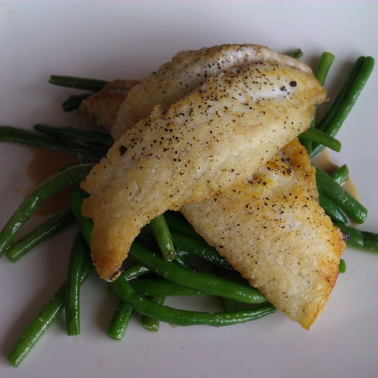 Dorado with French Beans