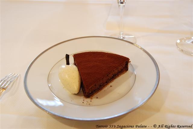 Tarte fine sablée au cacao amer, glace à la vanille Bourbon