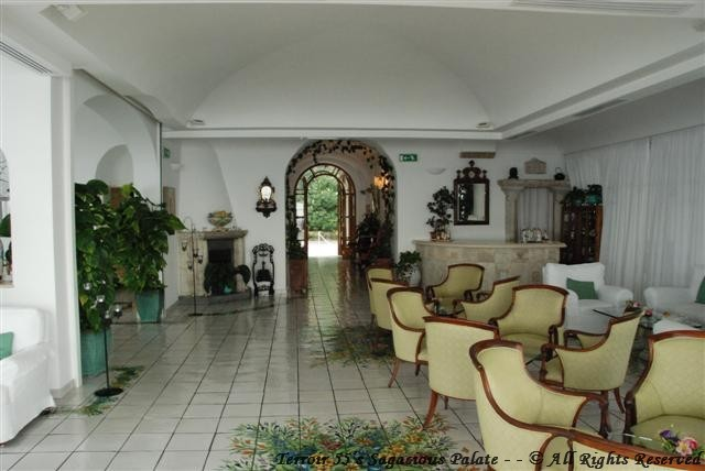 Santa Caterina - View of the lobby from the terrace