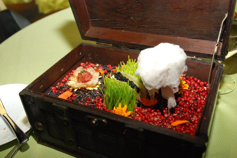 Amuse Bouche: Wagyu Tartare with beef chicharron, Siberian Osetra Caviar Taco & Foie Gras Cotton Candy