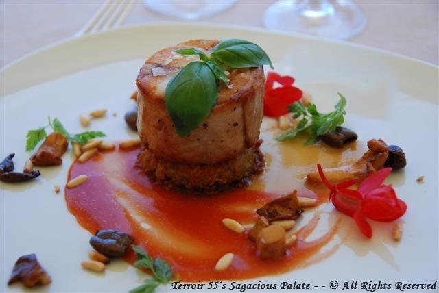 Medaglione di Coniglio con Pinoli e Olive Taggiasche