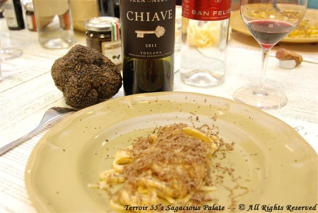 Fresh Shaved Truffle with pasta