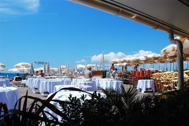 Carlton Beach Restaurant