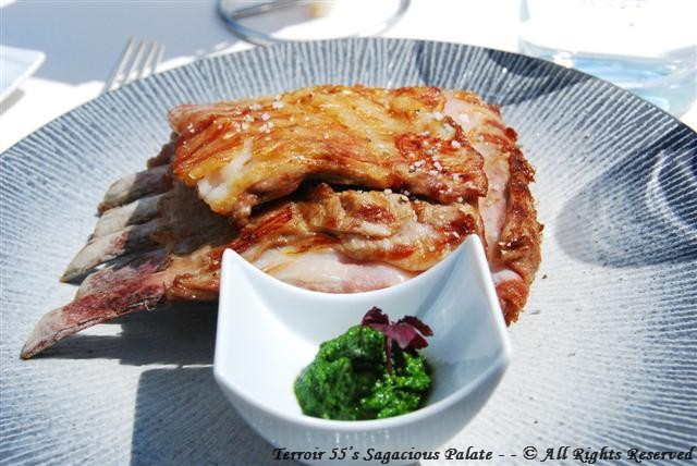 Le carré d'agneau de lait de France – Sauce Pesto (The rack of milk-fed lamb of France - Olive oil, basil, pine nuts, garlic and parmesan)