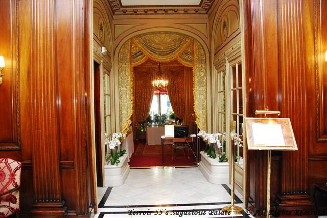Entrance to Le Raphael Restaurant & Le Bar