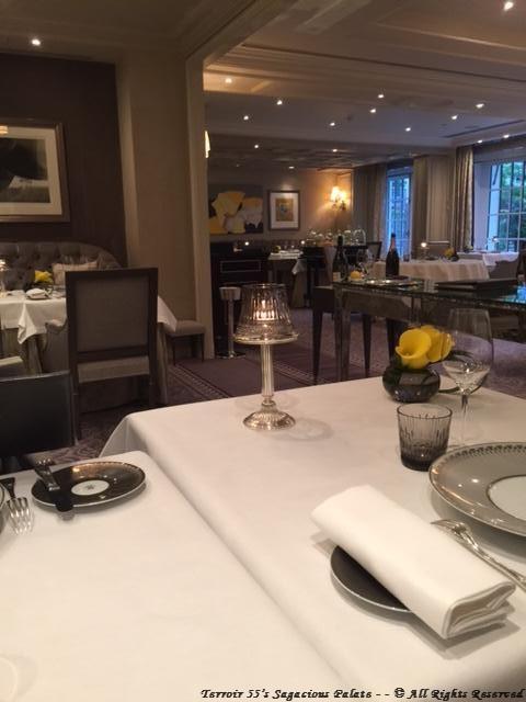 L'Abeille - Dining room