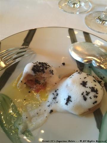 Ravioles de foie gras, crème foisonnée truffée