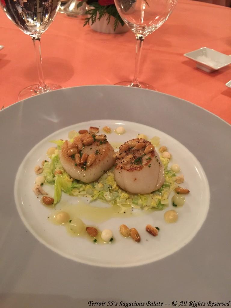 Seared scallops with Waldorf Salad