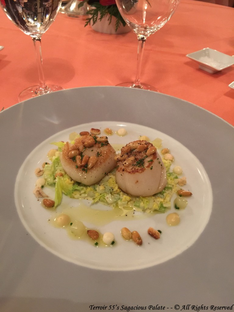 Seared scallops with Waldorf Salad