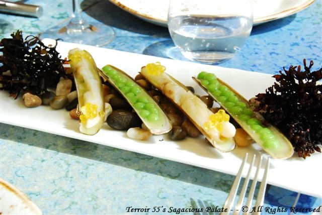 "Razor clams with peas in ""salsa verde"""