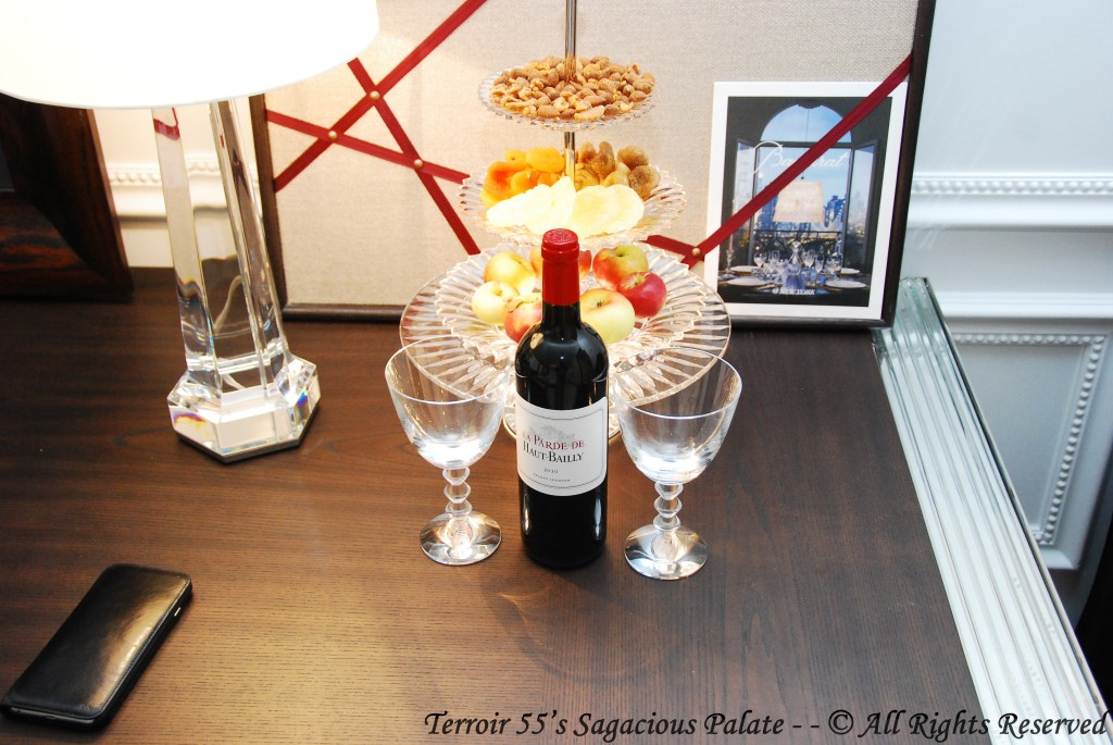 Chateau Parde de Haut Bailly with snacks