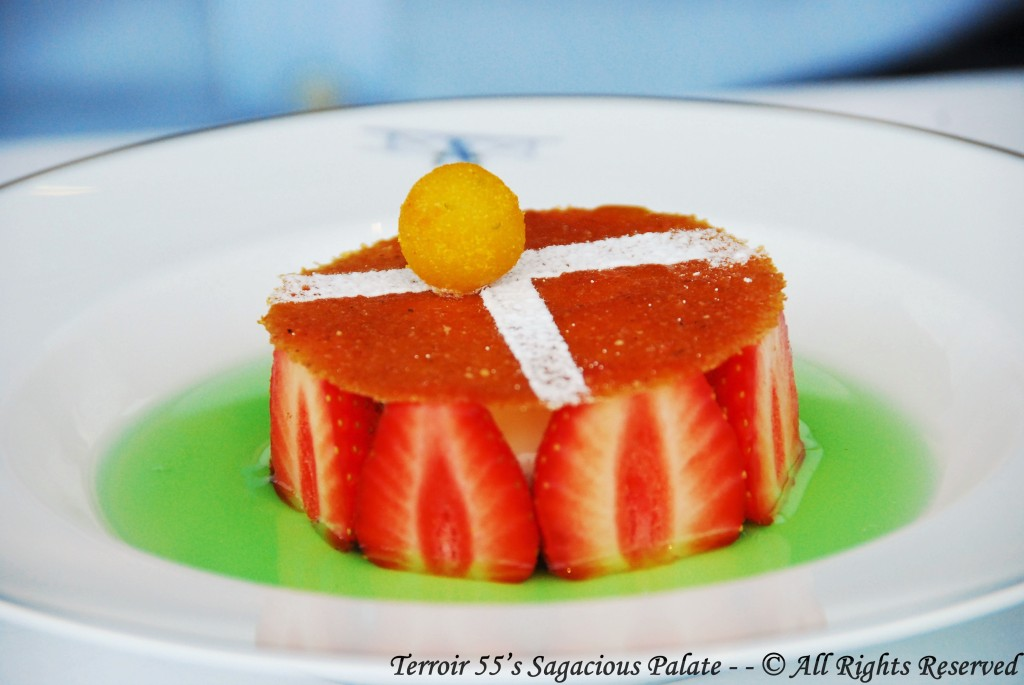 """""""Match Point"""" for Roland-Garros, with vanilla cream, fresh strawberries, and mint syrup"""
