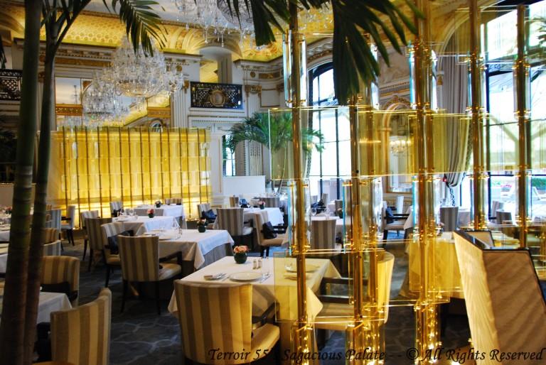 Hotel Peninsula - Le Lobby Restaurant
