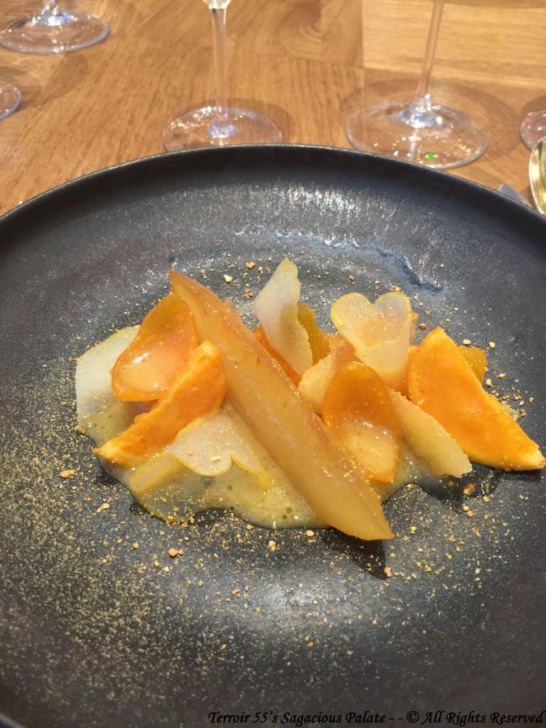 Nèfles, kaki, physalis blets, fruits secs caramélisés, glace cynorhodon