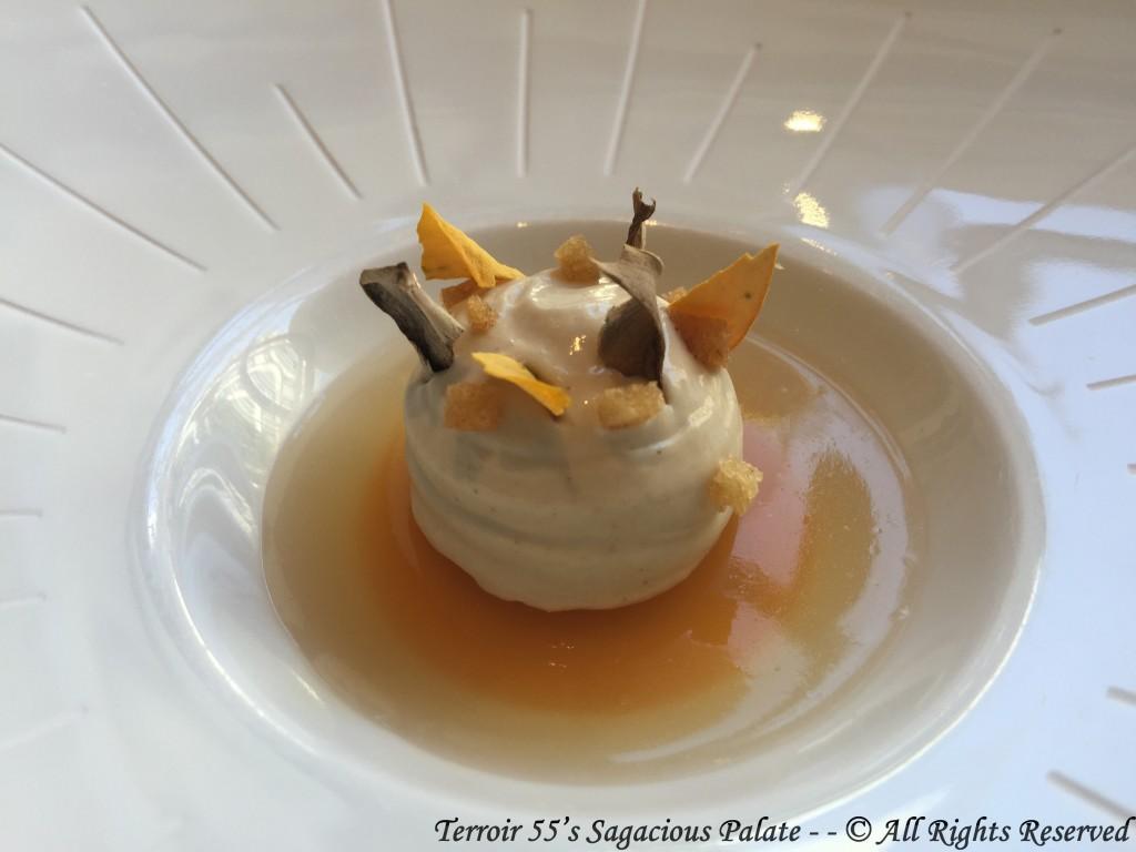 Pumpkin purée with chestnut jelly and Paris mushroom foam